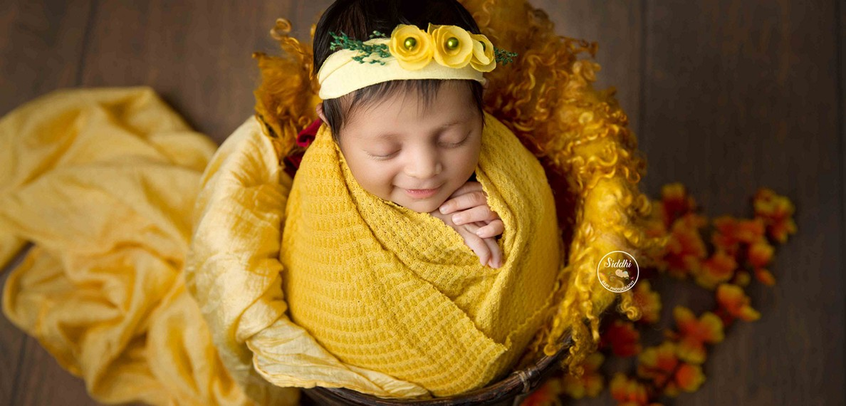 newborn photography, props for newborn photography, newborn photography props, newborn photography Mumbai, newborn photography poses, newborn photography ideas, Best in Rajkot Ahmedabad India3
